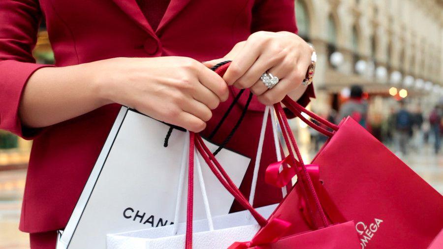 Почему нужно покупать брендовые вещи?